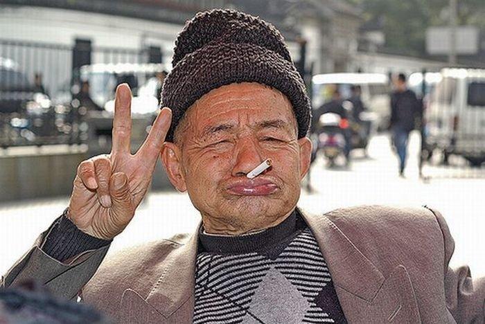 crazy-funny-old-man-smoking-image